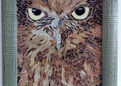 Pohled sovy - skleněná mozaika
